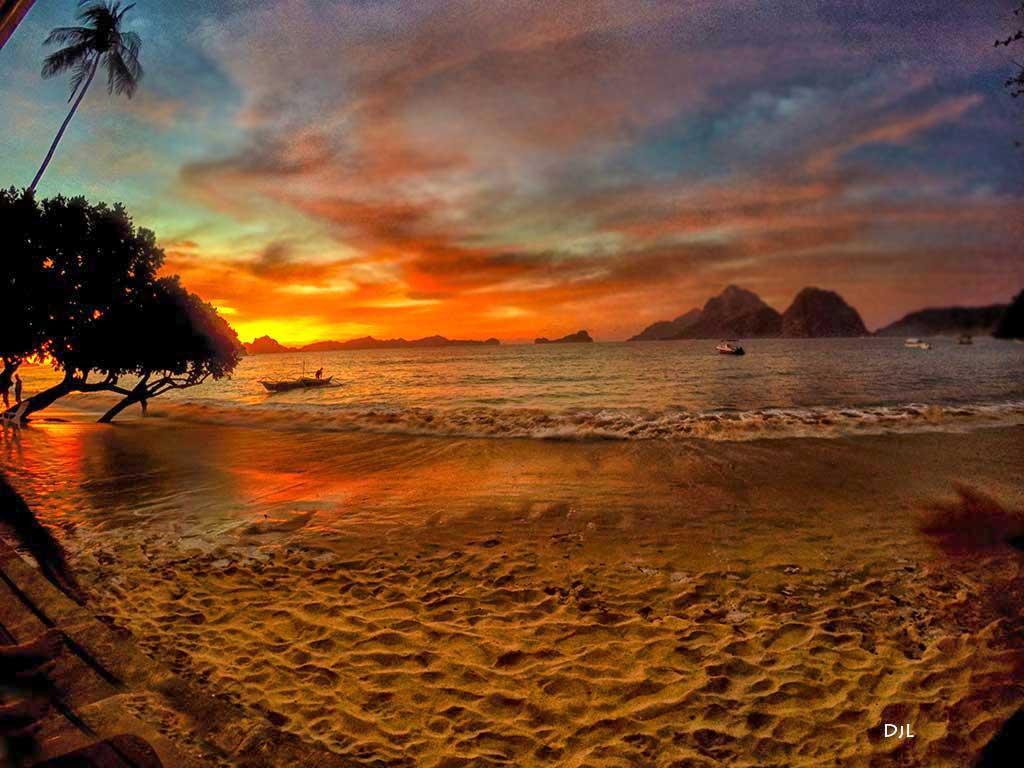 The secret sunset in El Nido Philippines • Teacake Travels