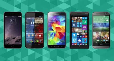 Smartphones de varias marcas juntos