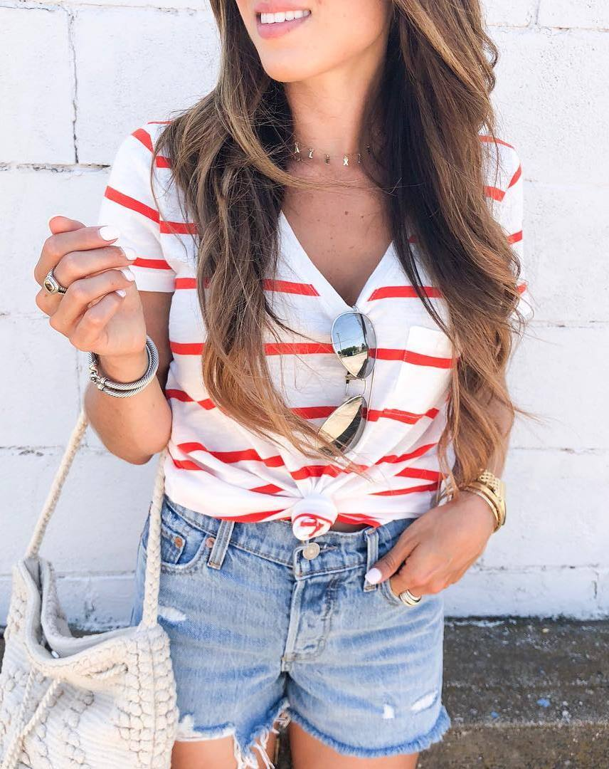ootd | striped v-neck top + bag + shorts