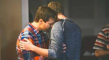Πώς να ξέρετε ότι βγαίνετε με ένα εγωιστικό άτομο