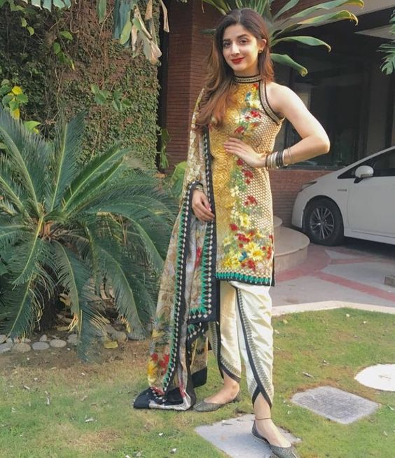 Mawra-Hocane-Wearing-Tulip-pants