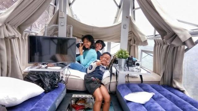kamar Sky Lodge Hotel di tebing Gunung Parang, Purwakarta
