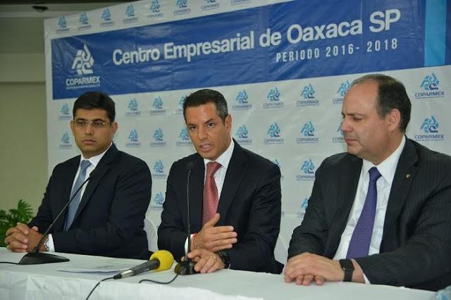COPARMEX propone aumentar el salario mínimo a 95.24 pesos