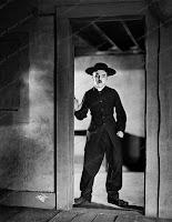 """Чарли Чаплин в """"Пилигриме"""". Фотограф: Джеймс Эббе - 13"""