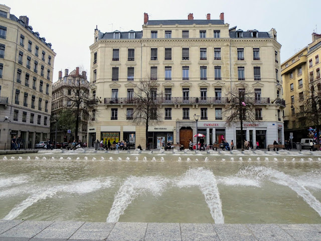 Things to do in Lyon France in 3 days: Sit by a fountain on Presqu'île