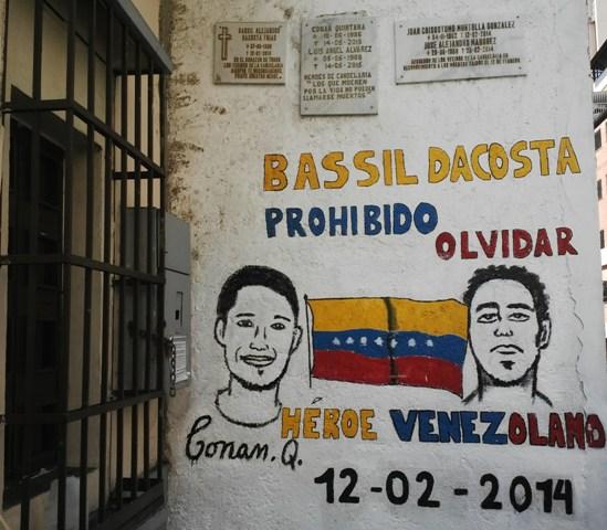 Caraqueños rindieron homenaje a jóvenes caídos el 12F