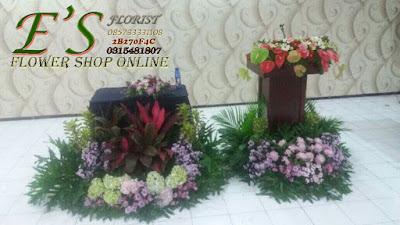 dekorasi taman podium