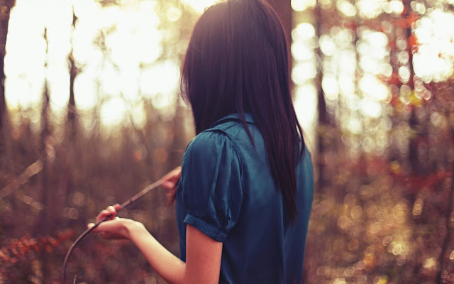 Hình ảnh về người con gái buồn, khóc, đau vì tình yêu