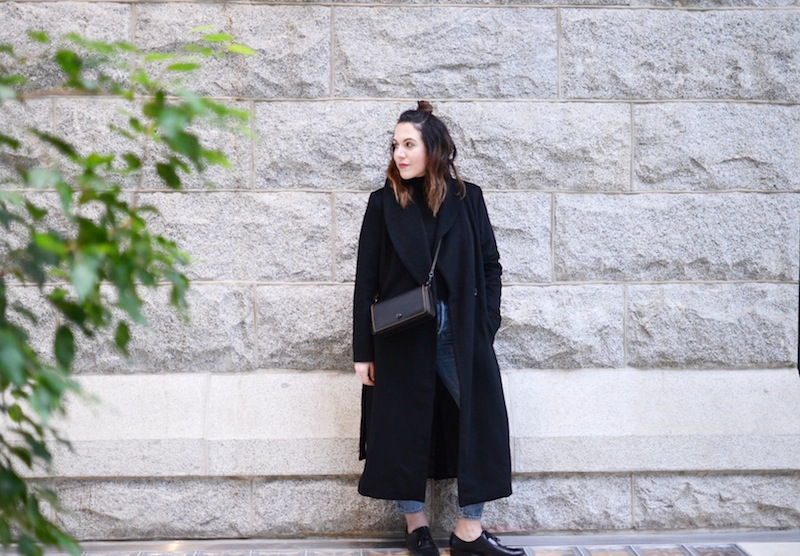 Le Chateau wool coat minimalist vancouver fashion blogger cool winter outfit Coach Dinky levi's wedgie jeans outfit
