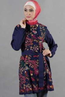 Gambar Baju Batik Wanita Muslimah