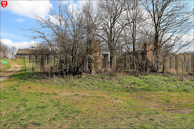 Руины хозяйственной постройки Войнов
