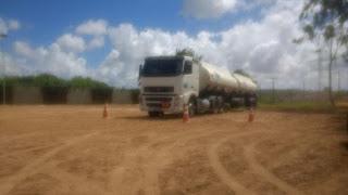 Caminhoneiro passa mal e morre enquanto manobra veículo, na Paraíba