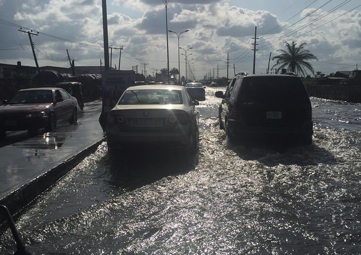 Photos: See the state of Refinery Road, Effurun after rainfall