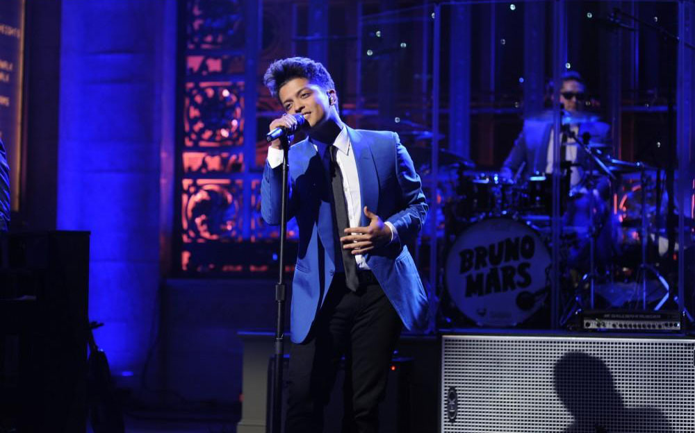 Bruno Mars to perform on the 59th annual Grammy Awards
