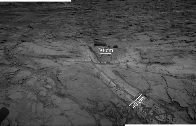 'Halos' discovered on Mars widen time frame for potential life