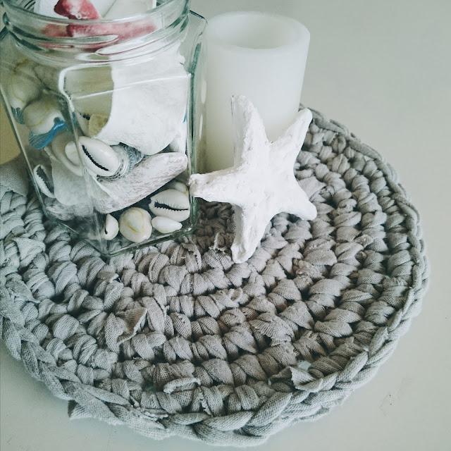 裂き編みで作成。