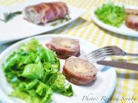 Rulada de carne cu branza invelita in bacon