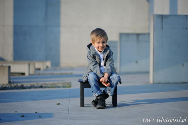 Jacek Skrok fotograf dziecięcy, nowoczesna sesja industrialna w Lublinie