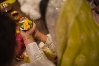 Photos from #PriyankaChopra and #NickJonas' engagement ceremony in India
