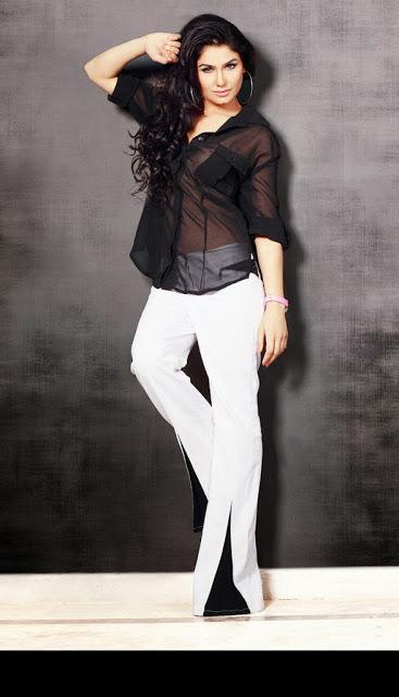 Kangana Sharma hot pics