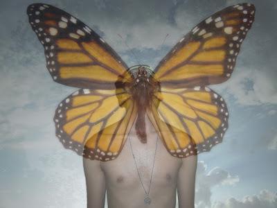 Edit Surreal en Photoshop inspirada en la metamorfosis de una mariposa monarca y la tecnica de control mental MONARCH PROGRAMMING por Sir Helder Amos