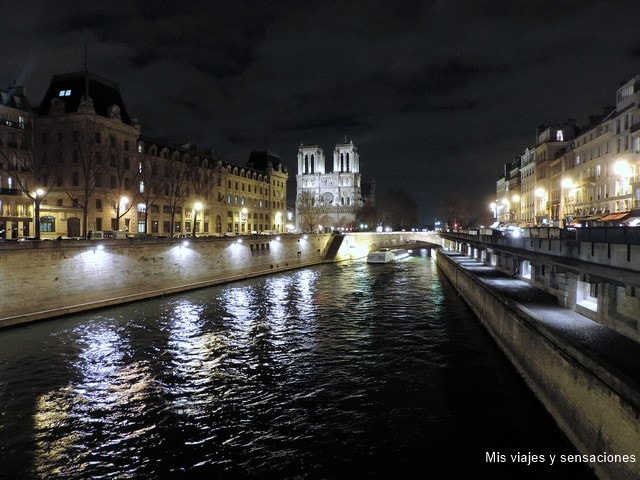 París de noche, La catedral de Notre-Dame