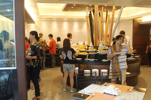 Makan Siang di Nouvo City Hotel