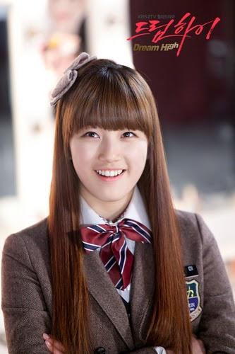 Suzy Miss A dan Han Cae Young Kembar?