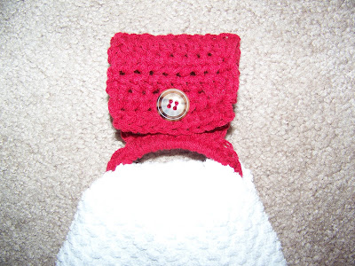 Crocheted Towel Holder | scriptureand.blogspot.com
