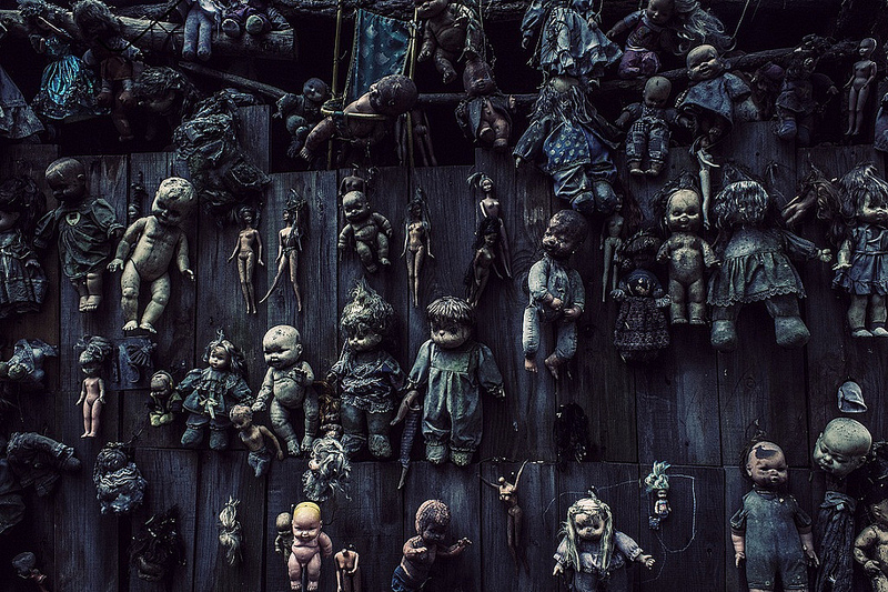 haunted-island-of-dolls-in-mexico