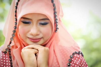 Tampil Cantik dengan hijab