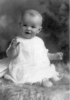 مارلين مونرو وهى طفلة