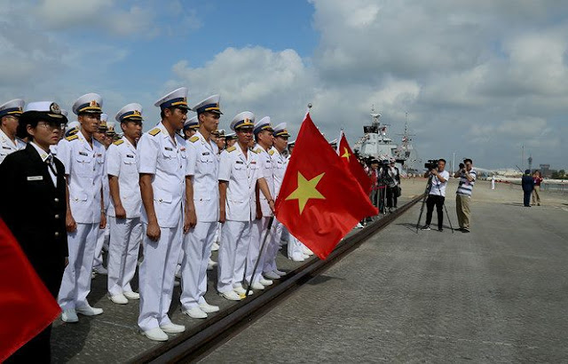 Cán bộ, thủy thủ tàu hộ vệ tên lửa 015 – Trần Hưng Đạo tham gia hoạt động diễn tập ACMEX 2018 tại Trung Quốc
