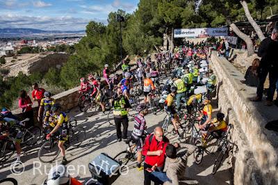 Salida desde el mirador del castillo de Villena. Fotografía cortesía de Rubén Vico - https://goo.gl/photos/yWgjc11eDEnx1c587