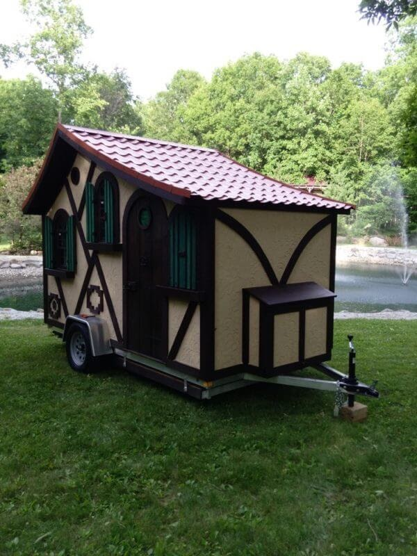 08-Front-to-thow-Steve-Auth-Woolywagons-Tiny-House-The-Tudor-Cottage-Architecture