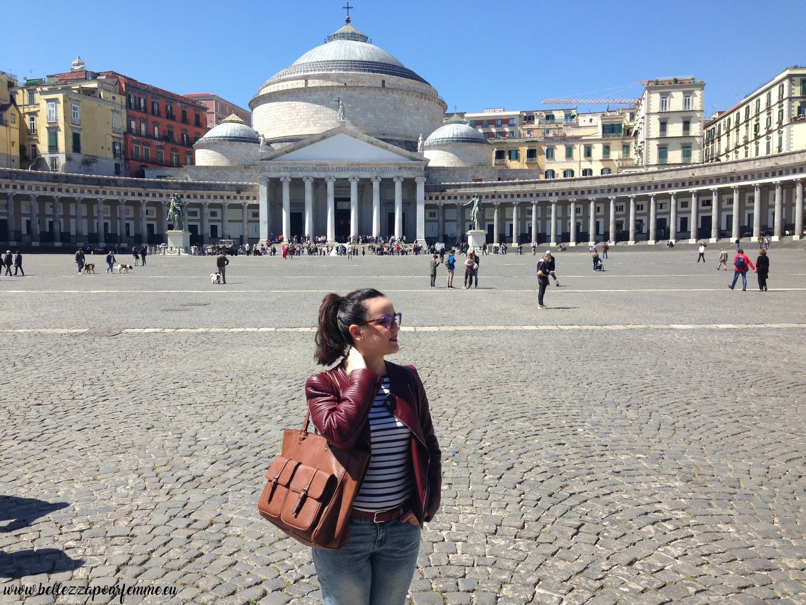 Marzia Amaranto travel blogger - Napoli - Piazza del Plebiscito