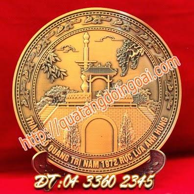 đúc đĩa đồng lưu niệm,đặt làm quà tặng đĩa đồng.cơ sở làm biểu trưng đồng