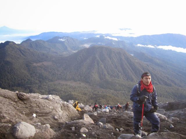 foto pendakian gunung semeru sampai puncak