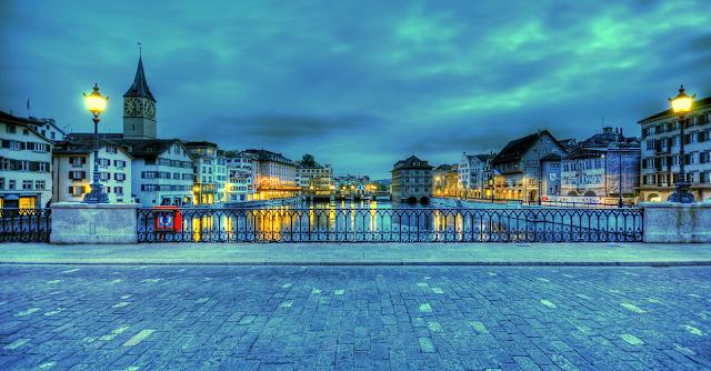 Thành phố Zurich về đêm
