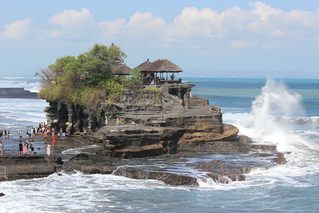 tanah-lot | bali | wonderful Indonesia