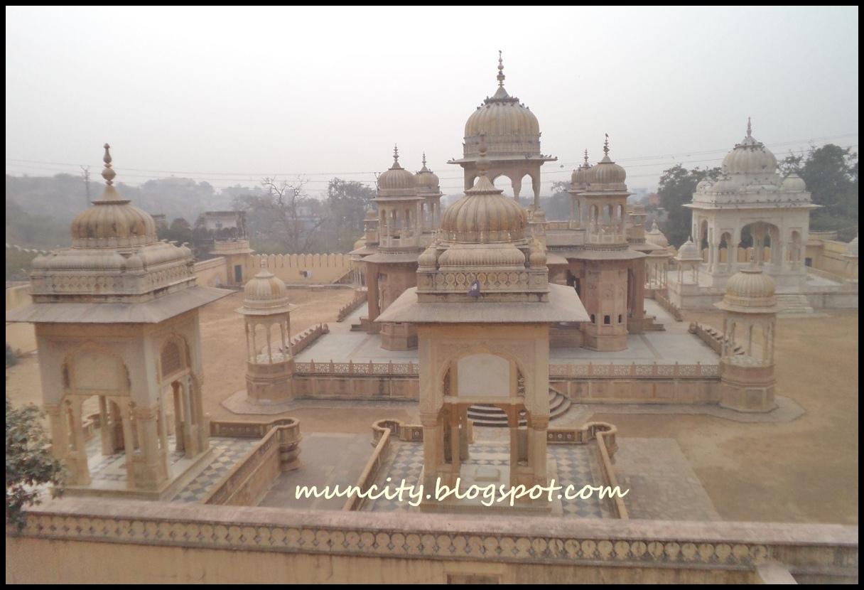 Lalalaland India  Jaipur  Gaitor Jal Mahal and the Monkey Temple