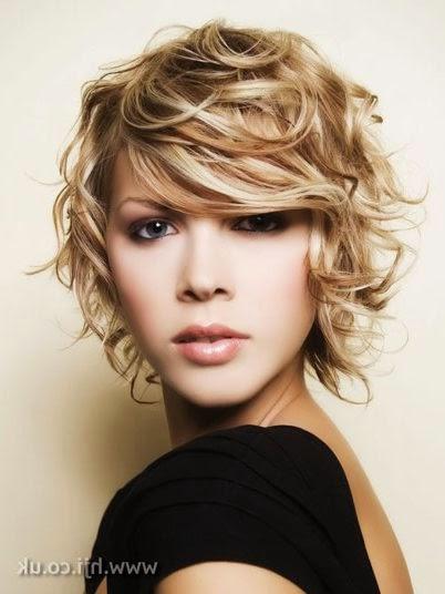 snygga frisyrer tjejer halvlångt hår
