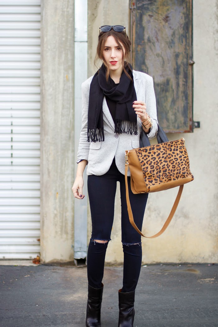 grey-blazer-black-jeans-leopard-purse-casual-outfit