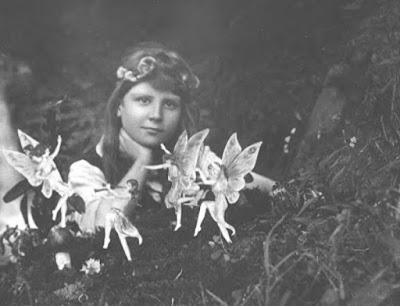 Fotografía 1 - Hadas de Cottingley - Frances y las hadas - Hadas reales