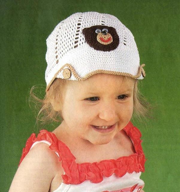 Белая кепка с аппликацией.  Children cap