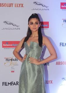Alia Bhatt Stills At Filmfare Glamour and Style Awards (9)