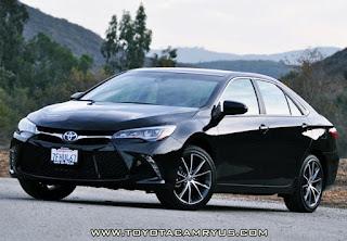 2016 Toyota Camry XSE V6 Hybrid Review design