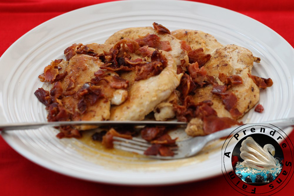 Escalopes de poulet sauce au bacon et au vin blanc