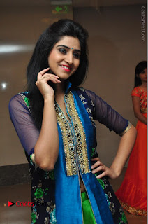 Actress Model Shamili Sounderajan Pos in Desginer Long Dress at Khwaaish Designer Exhibition Curtain Raiser  0004.JPG