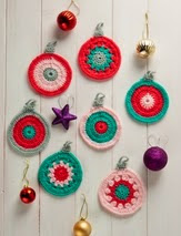 http://www.letsknit.co.uk/free-knitting-patterns/bonny-baubles